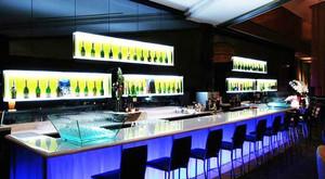 200平米现代风格酒吧吧台设计装修效果图