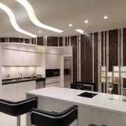 现代简约风格精致开放式厨房吧台装修效果图