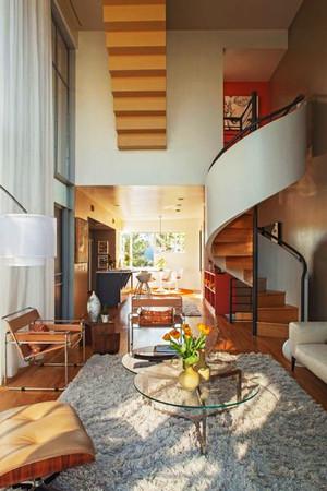 后现代风格复式楼旋转楼梯设计装修效果图