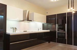 现代风格三居室室内整体厨房装修效果图赏析