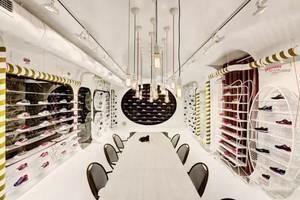 86平米简欧风格精致鞋店设计装修效果图