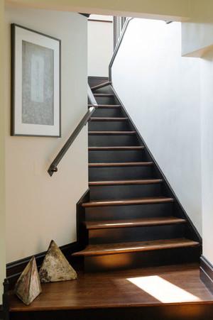现代风格复式楼梯装修效果图赏析