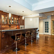 美式乡村风格别墅室内开放式厨房吧台装修效果图赏析