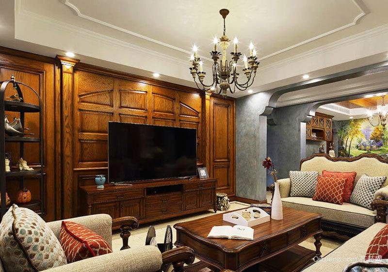 欧式古典风格别墅实木楼梯装修效果图赏析