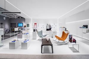140平米现代简约风格大型服装店设计装修效果图