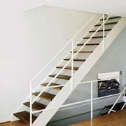 现代风格精致白色楼梯设计装修效果图赏析