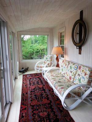 美式风格别墅精致封闭式阳台设计装修效果图
