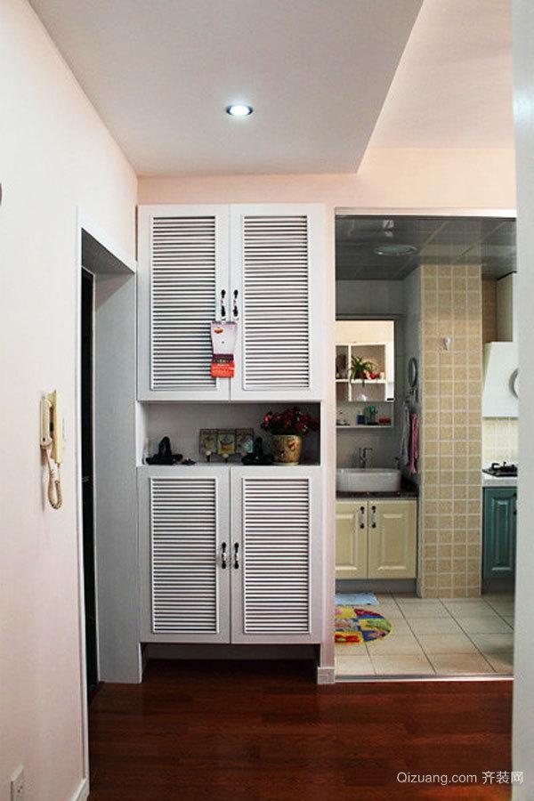 简约风格小户型玄关鞋柜设计装修效果图