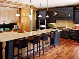美式乡村风格别墅室内开放式厨房吧台设计装修效果图