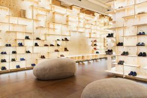80平米宜家风格简约鞋店展柜设计装修效果图