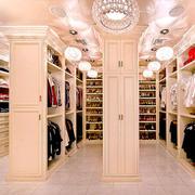 欧式风格奢华精致别墅衣帽间设计装修效果图
