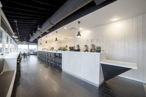 100平米现代简约风格黑白咖啡厅设计装修效果图