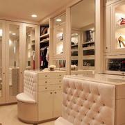 欧式风格别墅室内精致衣帽间设计装修效果图赏析