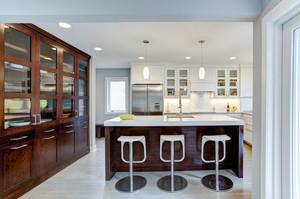 美式风格大户型室内开放式厨房吧台设计装修效果图