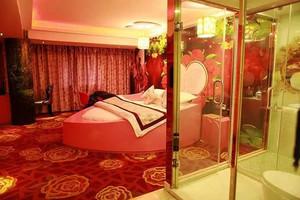 36平米欧式风格情侣主题酒店客房装修效果图赏析