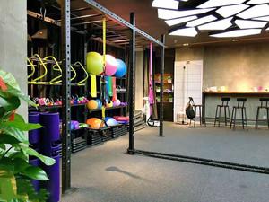 现代风格健身房设计装修效果图赏析