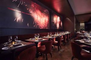 88平米后现代风格西餐厅设计装修效果图