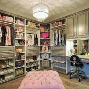 欧式风格别墅室内精致衣帽间设计装修效果图