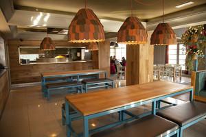 76平米混搭风格精致餐厅设计装修效果图