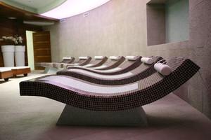 36平米现代风格美容院包厢设计装修效果图