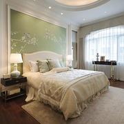 简欧风格浅色温馨卧室背景墙装修效果图赏析