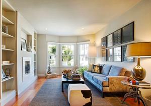 美式风格三居室浅色客厅装修效果图欣赏