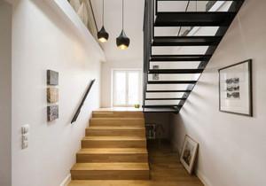 北欧风格简约复式楼楼梯设计装修效果图赏析
