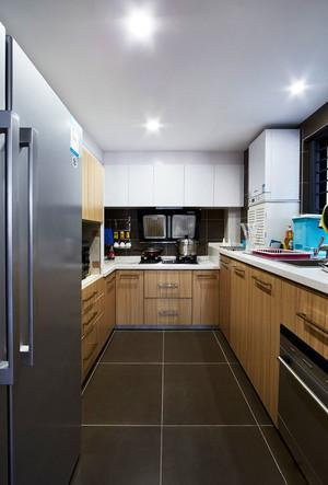 现代风格简约浅色整体厨房装修效果图赏析