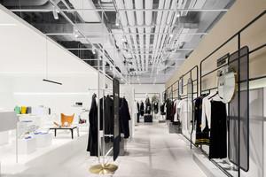 200平米现代简约大型服装店设计装修效果图赏析