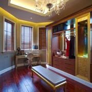 古典欧式风格别墅精致衣帽间设计装修效果图