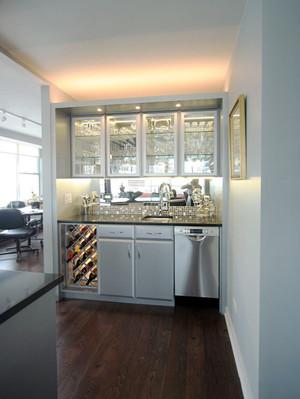 现代风格大户型精致酒柜设计装修效果图