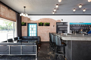 86平米现代风格黑色系酒吧设计装修效果图