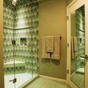 现代简约风格大户型卫生间淋浴房装修效果图
