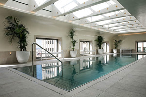 现代简约风格五星级酒店游泳池装修效果图赏析