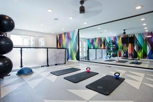 64平米现代风格瑜伽馆设计装修效果图赏析