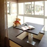 现代风格封闭式阳台榻榻米装修效果图赏析