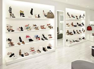现代简约风格鞋店展柜设计装修效果图