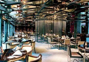 现代风格精致奢华西餐厅吊顶设计装修效果图