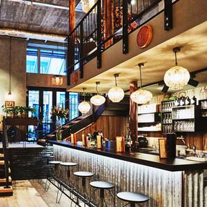 中式风格晶精致酒吧吧台设计装修效果图