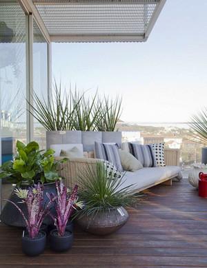 现代风格别墅阳台花园设计装修效果图