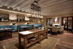 99平米美式乡村风格西餐厅设计装修效果图