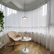 现代简约风格大户型封闭式阳台设计装修效果图