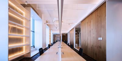 70平米现代风格多功能会议室装修效果图