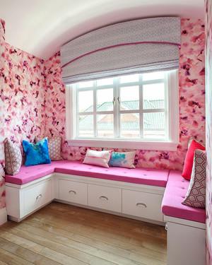 欧式风格粉色精美飘窗设计装修效果图