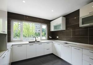 现代简约风格大户型整体厨房装修效果图鉴赏