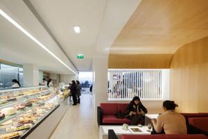 120平米现代简约风格面包店装修效果图赏析