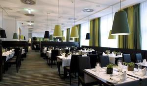120平米现代风格精致西餐厅装修效果图赏析
