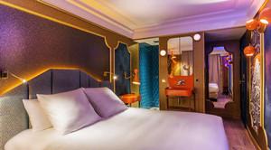 56平米新中式风格精品酒店客房装修效果图