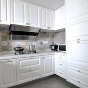 欧式风格纯白精致厨房橱柜设计装修效果图