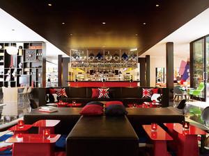 120平米混搭风格时尚创意咖啡厅设计装修效果图